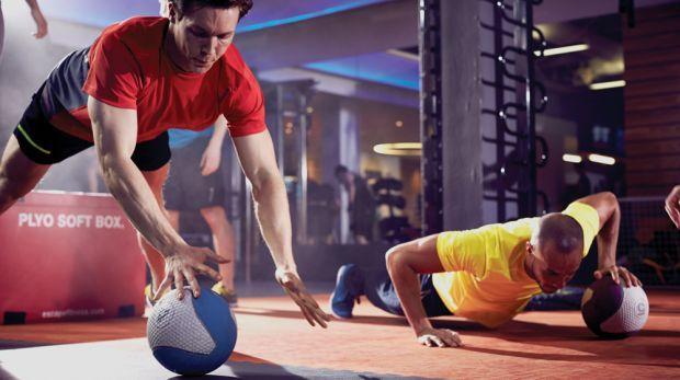 ejercicios con balon medicinal